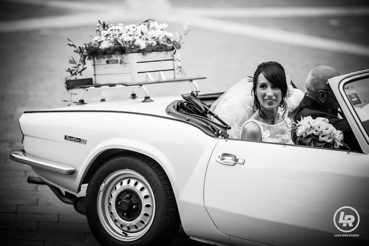 la sposa arriva in comune a Loano
