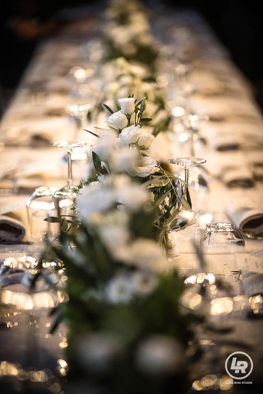 fiori tavolo ristorante muma borgio